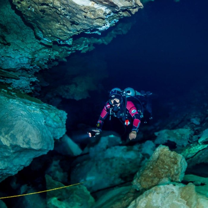 cavern diving in playa del carmen mexico