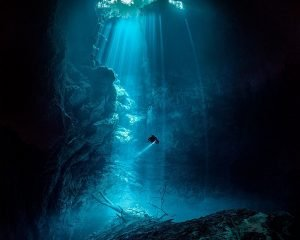 Cenote diving in the pit is euphoric